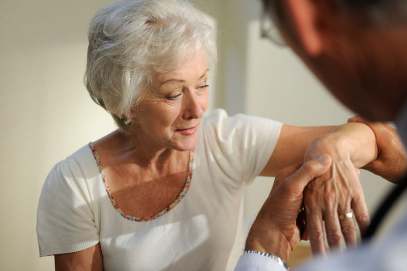 8 MOST COMMON CAUSES OF JOINT PAIN AND THE WAYS TO TREAT IT